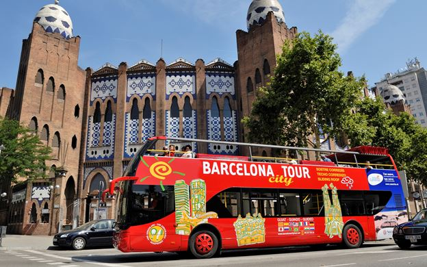 hop on hop off, Must Do Things In Barcelona