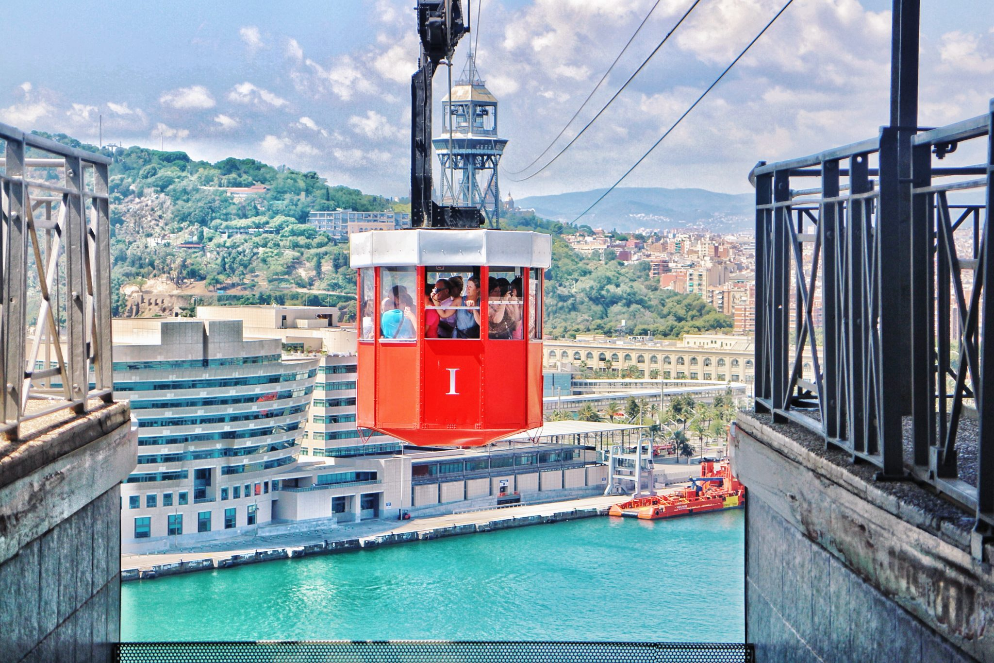 cable car, Must Do Things In Barcelona